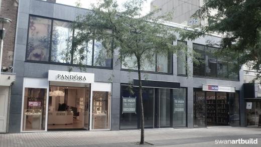 3 nieuwbouw winkels in moderne stijl Stadhuisplein Tilburg